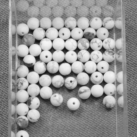 Howlit, MATT csiszolású ásványgyöngy - 6mm-es golyó - 1db