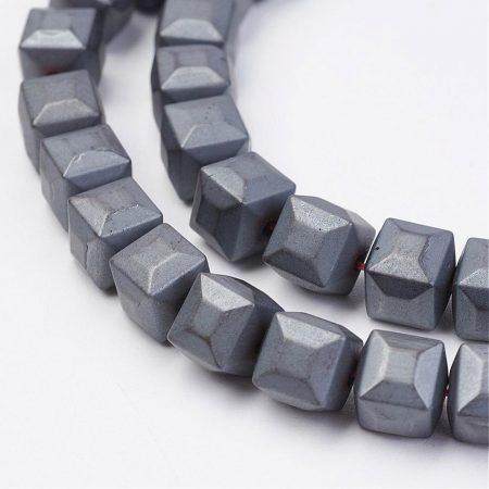 Hematit, MATT csiszolású ásványgyöngy - 6mm-es csapott élű kocka - 1db