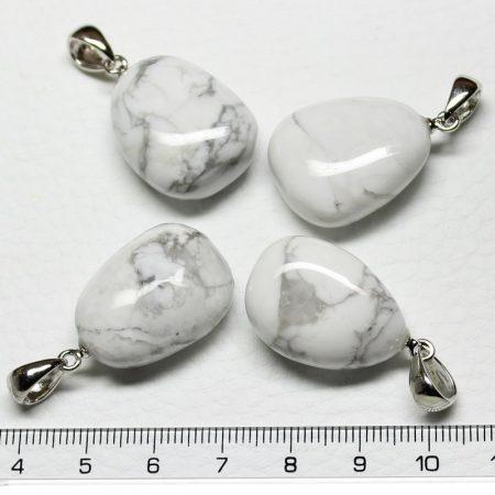 Howlit ásványmedál - 2-2,5cm-es formátlan csepp