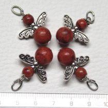 Vörös szivacskorall ásványmedál - 2cm-es angyal / tündér