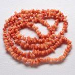 Bambuszkorall (festett narancsos korall színű) splitter / szemcse - gömbölyített szemű - kb. 85cm-es szál