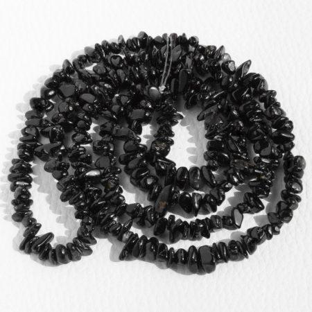 Fekete turmalin (sörl) ásvány splitter / szemcse - kb. 85cm-es szál
