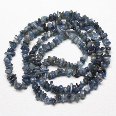 Kianit ásvány splitter / szemcse - gömbölyített szemű - kb. 85cm-es szál