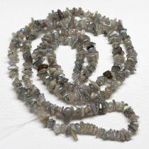 Labradorit féldrágakő splitter - gömbölyített szemű - kb. 85cm-es szál