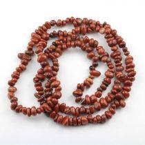 Vörösjáspis féldrágakő splitter - gömbölyített szemű - kb. 85cm-es szál