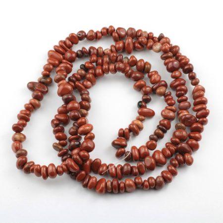 Vörösjáspis ásvány splitter / szemcse - gömbölyített szemű - kb. 85cm-es szál