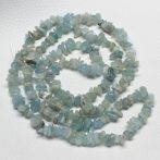 Akvamarin ásvány splitter / szemcse - kb. 85cm-es szál