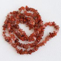 Brazil vörös achát ásvány splitter / szemcse - kb. 85cm-es szál