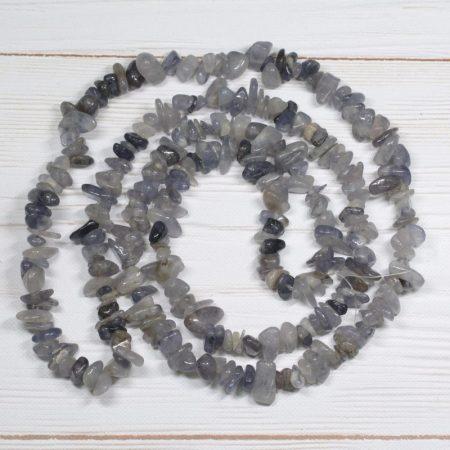 Iolit - ásvány splitter / szemcse - kb. 85cm-es szál