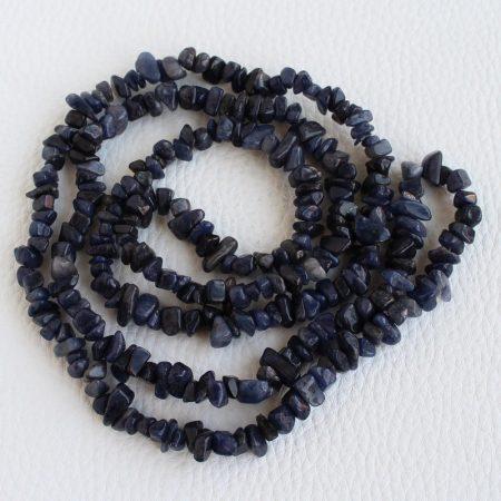Kék aventurin ásvány splitter / szemcse - kb. 85cm-es szál