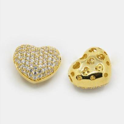 Cirkónia kristályos, arany színű 14x13x8mm-es szív köztes gyöngy, furat: 1,5x2,5mm
