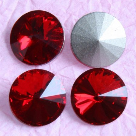 Távolkeleti kristály rivoli 16mm-es - piros (Siam)
