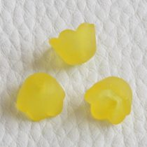Akril virág (gyöngyvirág) - 7x10mm-es áttetsző matt sárga - 20db