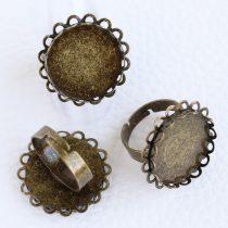 Antik bronz színű állítható méretű ragasztható gyűrűalap - 20mm-es kabosonhoz
