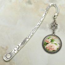 Fém könyvjelző üveglencsés medállal, virág mintával - 12cm