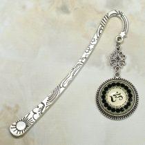 Fém könyvjelző üveglencsés medállal, Aum szimbólummal - 12cm