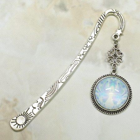 Fém könyvjelző üveglencsés medállal, angyal mintával - 12cm