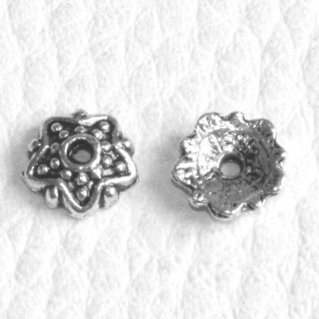 Tibeti stílusú fém gyöngykupak - antik ezüst színű 7,5mm-es