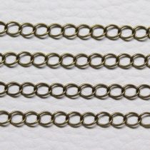 Antik bronz színű, réz alapú, 4x3,5mm-es zártszemű fémlánc (lánchosszabbítónak is alkalmas) - 1m