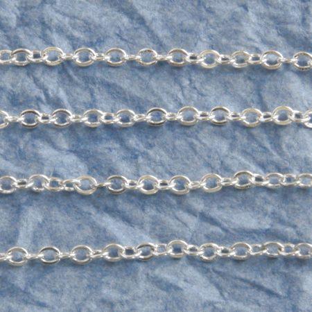 Ezüst színű, vas alapú, 3,8x2,7mm-es nyitható szemű fémlánc - /m