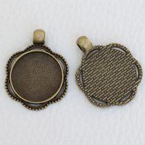 Tibeti stílusú ragasztható fém medál alap - antik bronz színű 33x25mm-es, 20mm-es kabosonhoz