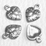 Tibeti stílusú fém medál / fityegő - antik ezüst színű 15x12mm-es szív