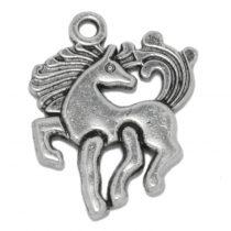 Tibeti stílusú fém medál / fityegő - antik ezüst színű 20x17mm-es  ló