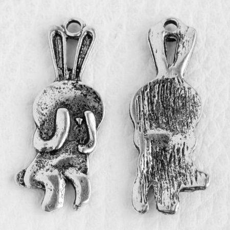 Tibeti stílusú fém medálka / fityegő - antik ezüst színű 33x12mm-es nyuszi