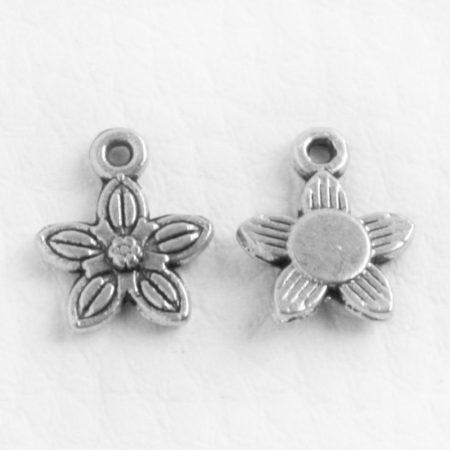 Tibeti stílusú fém medál / fityegő - antik ezüst színű 12,5x10mm-es virág