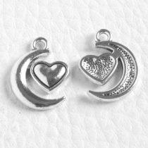 Tibeti stílusú fém medál / fityegő - antik ezüst színű 18x14mm-es hold-szív