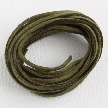 """Művelúr """"bőr"""" szál (hasítottbőr utánzat) 2,5 x 1,4mm-es - mv72 sötét olívazöld - 4m"""