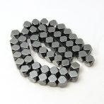 Hematit (préselt) ásványgyöngy - 8mm-es csapott élű kocka - 38-40cm-es szál